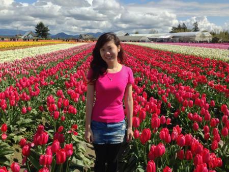 tien trien seafood - Bạn Xuân Trang tại Tulip Garden- Washington US